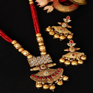 Women Anrique Gold-Toned & Red Embellished Temple Jewellery Set